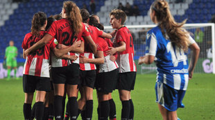 Las jugadoras del Athletic femenino celebran el gol ante el Deportivo.