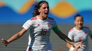 Eva Navarro, jugadora del Levante, celebra un gol con la Sub'17.