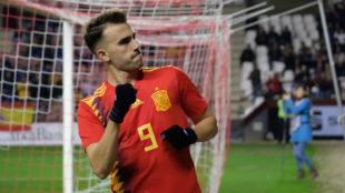 Borja Mayoral celebra uno de los goles ante Dinamarca