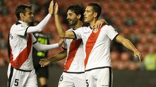 Álex Alegría celebrando uno de sus dos goles.