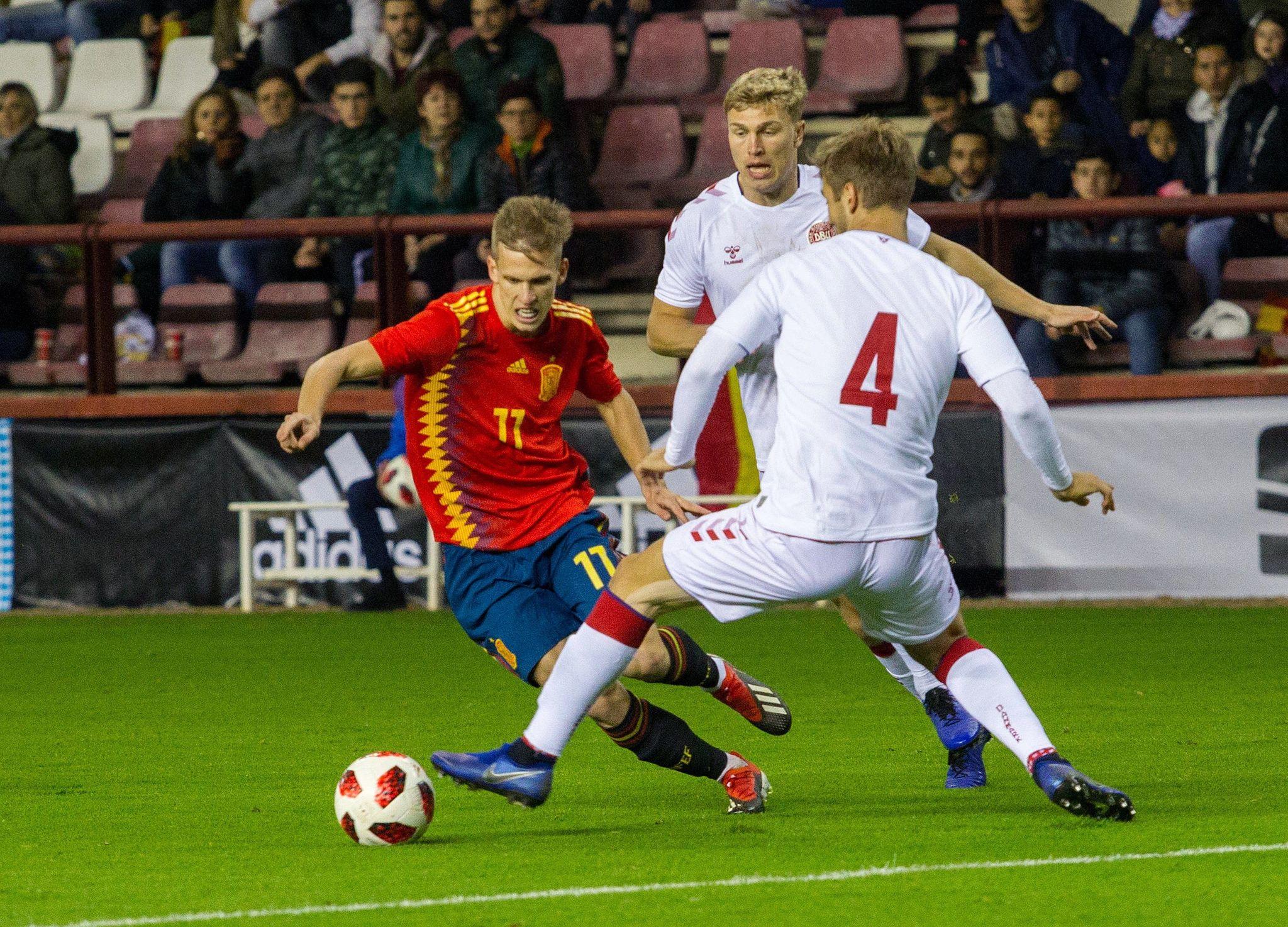 Villarreal y Celta atacan fichaje ganga de Dani Olmo por el Barcelona