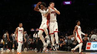 Miami doblegó a unos diezmados Nets.