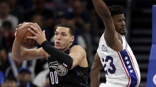 Butler aportó 14 puntos en su debut con los 76ers