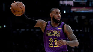 LeBron James destroza a Portland en su mejor partido con los Lakers