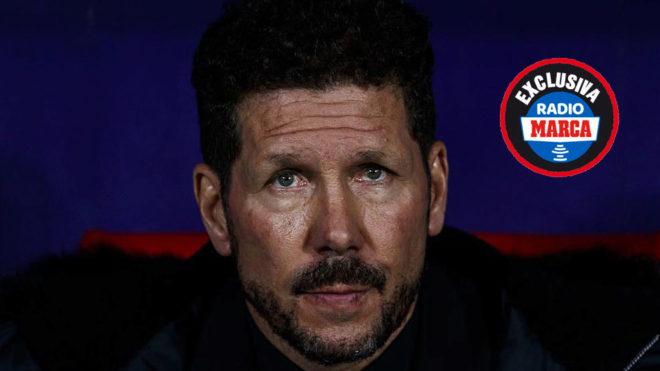 Simeone, en el banquillo del Atlético en un partido en el Wanda...