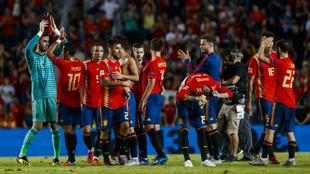 El equipo español celebra el triunfo en el pasado España-Croacia, en...