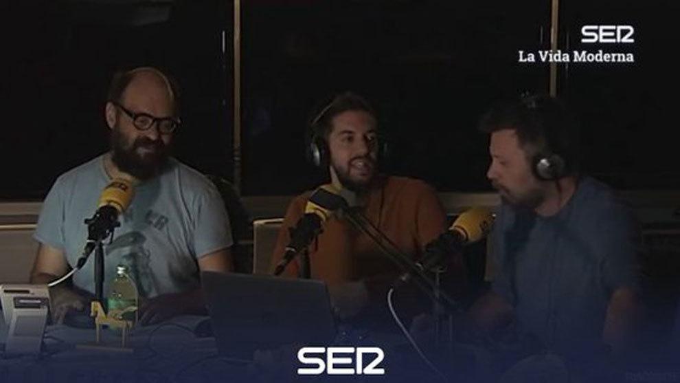 Los presentadores de 'La Vida Moderna' compraron acciones del Murcia...
