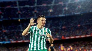 Lo Celso celebra su gol al Barça en la última jornada liguera.