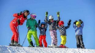 Suiza regalará más de 12.000 forfaits semanales de esquí a menores...