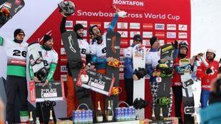 Lucas Eguibar y Regino Hernández en lo más alto del podio en la...