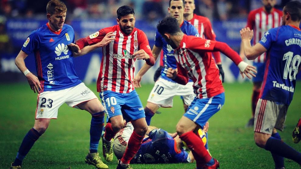 El Real Oviedo venció 2-1 en el Tartiere al Sporting la campaña...