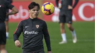 Roque Mesa (29), en un entrenamiento del Sevilla.
