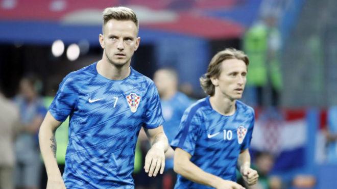 Rakitic, junto a Modric.