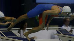 Lidón Muñoz, en la salida de la final de los 100 m libre