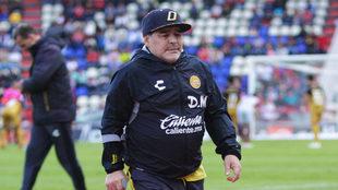 Maradona regresa al Carlos Villalba, pero verá el juego desde las...