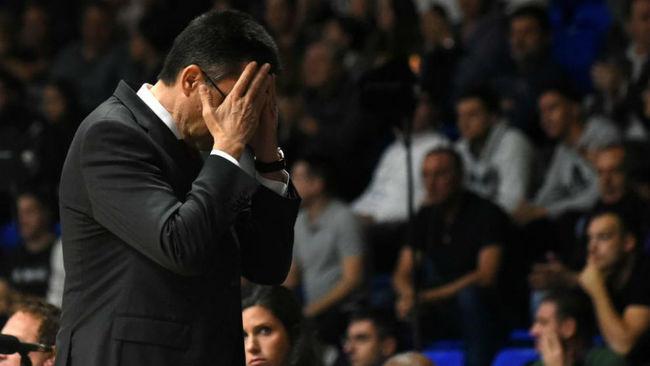 Pedro Martínez, desesperado en el partido contra el Buducnost