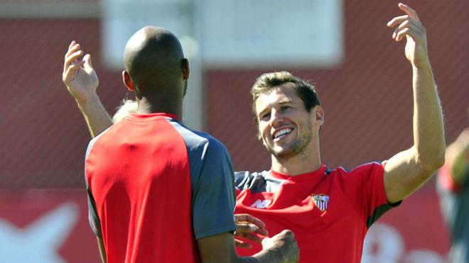 Nzonzi y Krychowiak, en su etapa con el Sevilla.