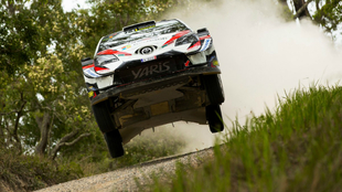 Los Yaris WRC toman el mando en el Rally de Australia con Ott Tänak y...