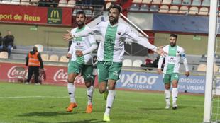 Enric Gallego celebra uno de sus goles.
