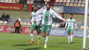 Enric Galleco celebra uno de sus cuatro goles