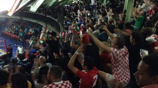 Los jugadores se contagiaron del ambiente en la Arena Coliseo.