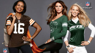 Condoleezza Rice, a la izquierda, con la camiseta de los Browns.