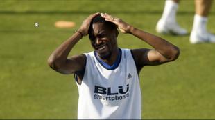 Kondogbia, en un entrenamiento con el Valencia.
