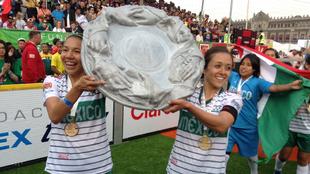 Adriana García celebra el título en la Homeless World Cup