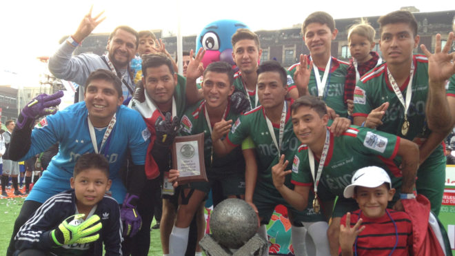 México celebra el título en la HWC