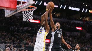 Kevin Durant no logró ser la diferencia para Warriors en la duela.
