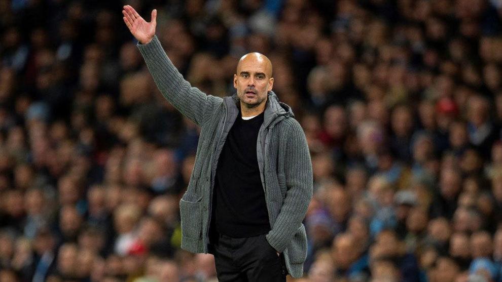 Guardiola durante un partido con el City