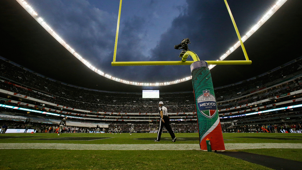 Panorámica del Estadio Azteca durante el Patriots vs Raiders en 2019. f17e4669633