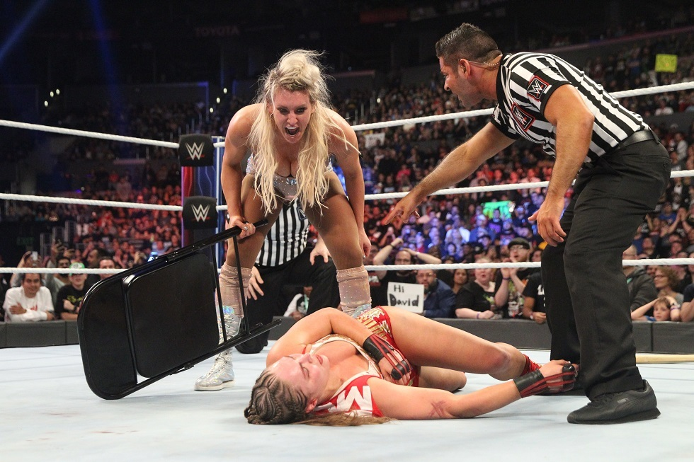 La brutal paliza que recibió Ronda Rousey en la WWE