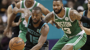 Kemba Walker luce ante los Celtics.