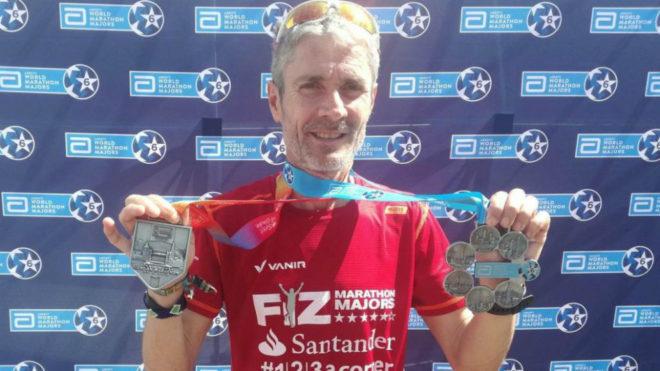 Martín Fiz tras ganar en Londres su sexto y último 'major'.