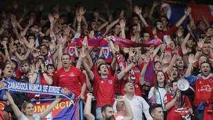 Aficionados del Numancia animando a su equipo en Los Pajaritos