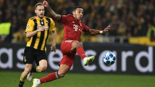 Thiago Alcántara, durante un partido con el Bayern.