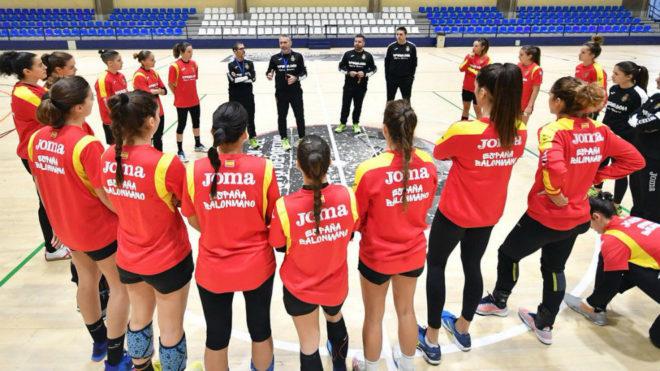 Un entrenamiento de las 'Guerreras' en Alicante