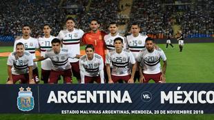 Así formó México en el partido contra Argentina en Mendoza.