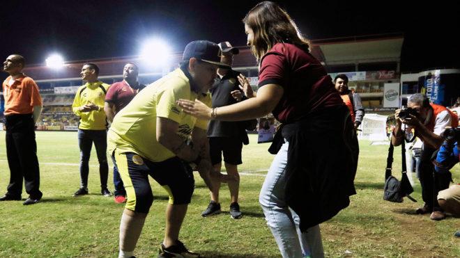Maradona no esconde su alegría en Culiacán
