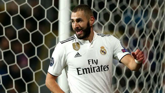 Benzema celebra un gol ante el Plzen en Champions.