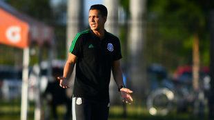 Diego Ramírez dirige un partido del Tri Sub-20