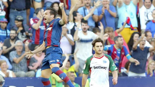 Toño vuelve ante el Huesca tras su descarte por un acto de indisciplina