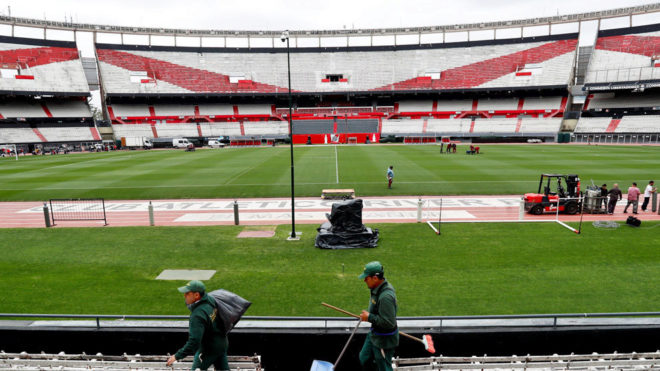 Copa Libertadores final delayed after bus attack police tear gas hurts players