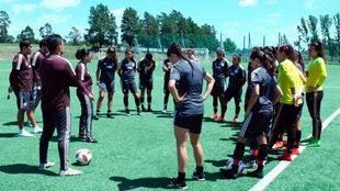 Las seleccionadas en un entrenamiento.