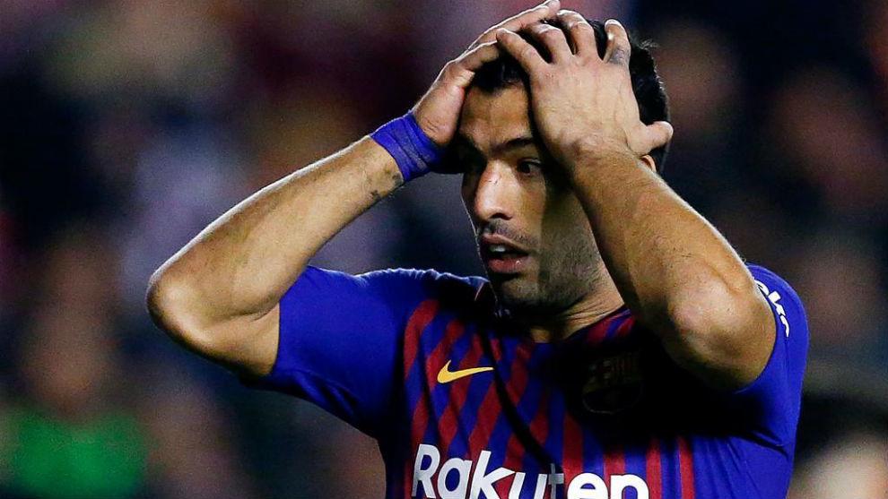 Luis Suárez se une a la plaga de lesiones y estará dos semanas de baja