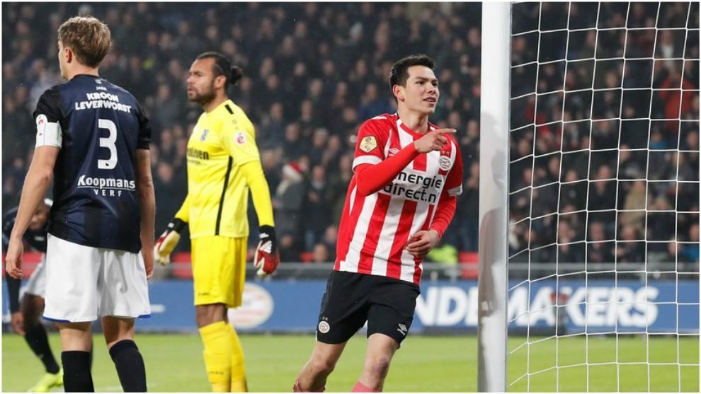 Hirving Lozano, en el duelo ante el Heerenveen.