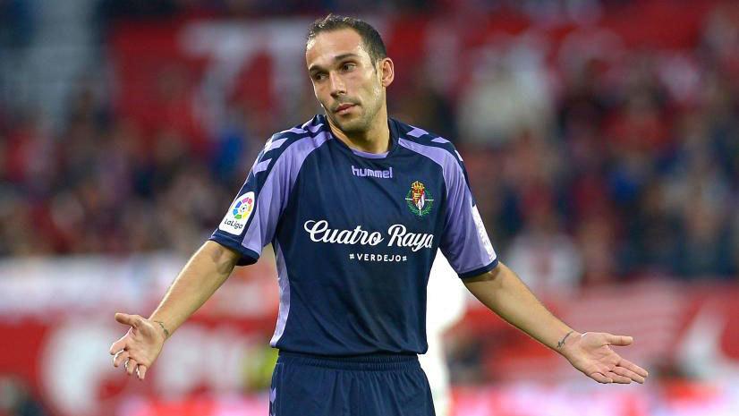 Nacho, defensa del Valladolid, durante el partido en el...