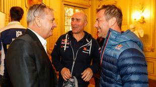 Lavigne (izquierda) junto a Peterhansel y Loeb