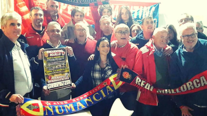 Hermanamiento entre aficionados del RCD Mallorca y el CD Numancia